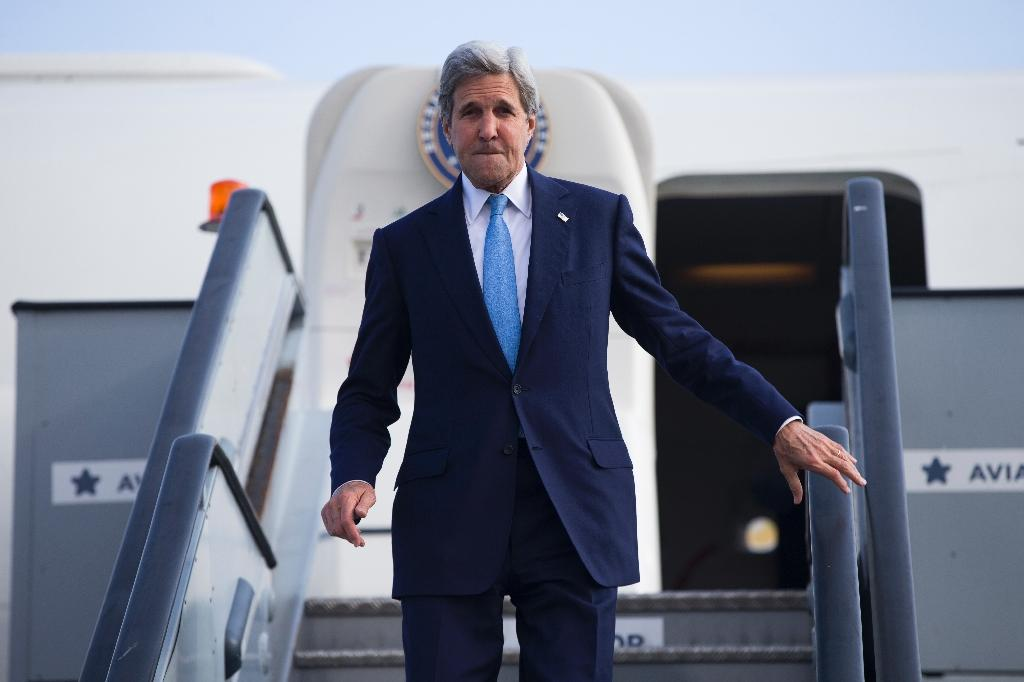 US voices Brexit regret as Kerry heads to London