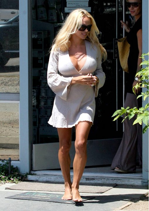 Pam Anderson barefoot