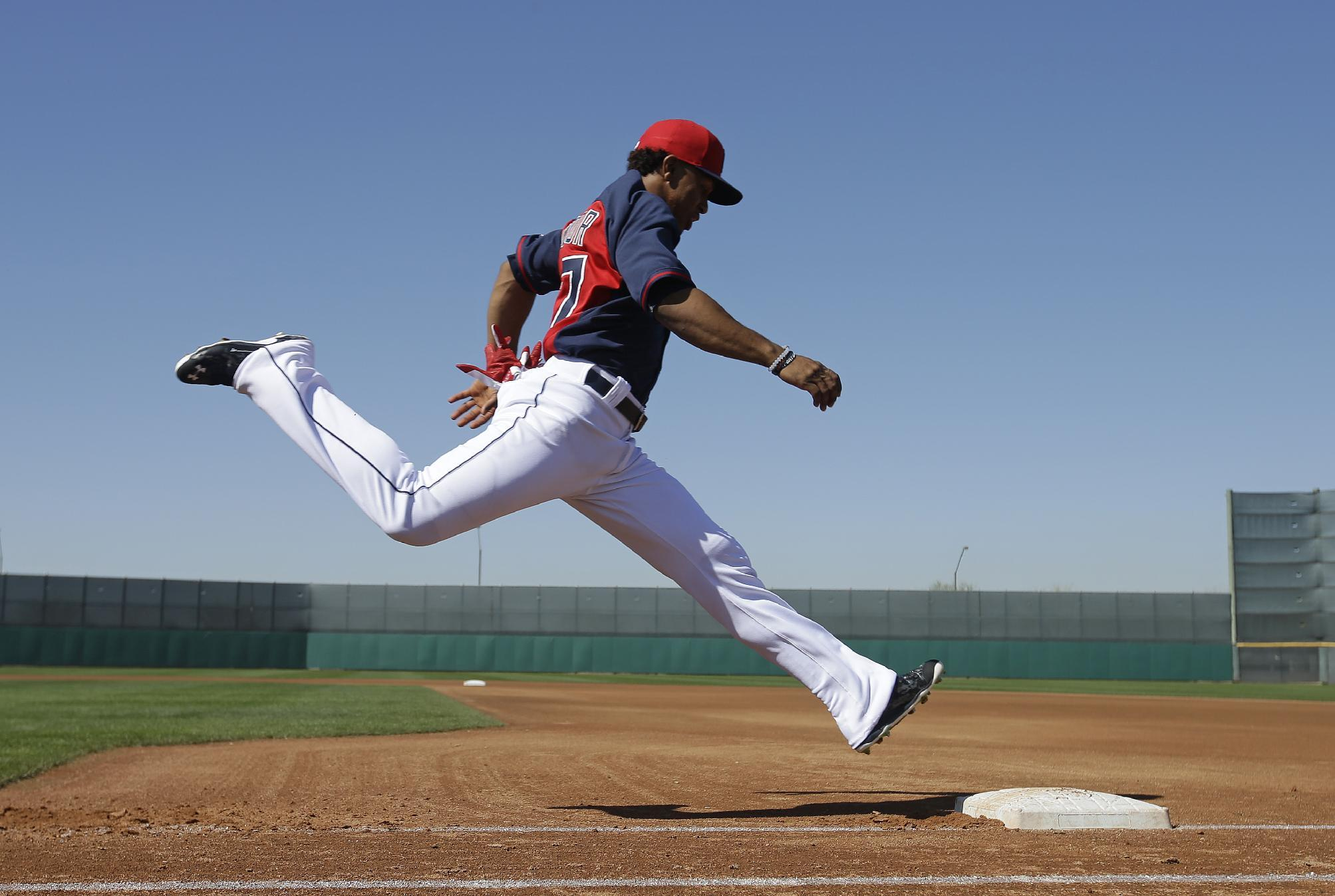 Indians' prospect Lindor shines in 4-2 win over Reds