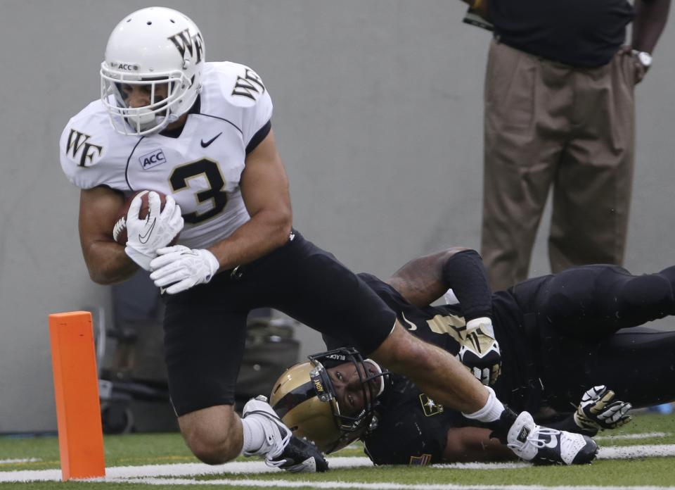 Harris scores twice, Wake Forest beats Army 25-11