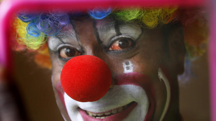 Indian circuses struggle to adapt after court bans
