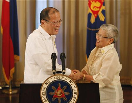 Philippines, Muslim rebels agree to landmark peace deal 2012-10-07T063543Z_1_CBRE8960IBL00_RTROPTP_2_CNEWS-US-PHILIPPINES-REBELS-PEACE