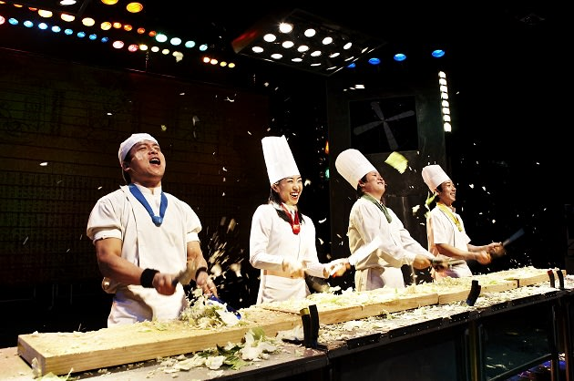 Korean chefs cook up a musical storm