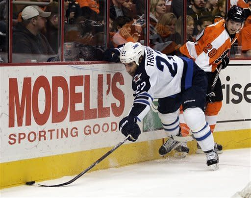 Little leads Jets over Flyers 2-1 in shootout
