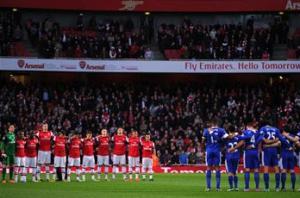 Silence and black armbands at Arsenal-Everton for Hillsborough & Boston tragedies