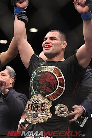 UFC Signs Heavyweight Champ Cain Velasquez to New Eight-Fight Contract