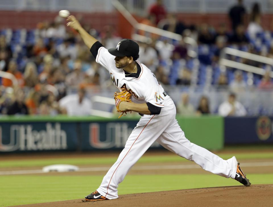 Marlins' Alvarez flirting with no-hitter