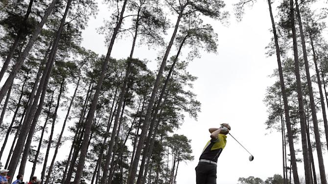 David Lynn, of England, tees off at the 16th hole during the first round of the Masters golf tournament Thursday, April 11, 2013, in Augusta, Ga. (AP Photo/David J. Phillip)