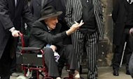 Ronnie Biggs Defiant At Train Robber's Funeral