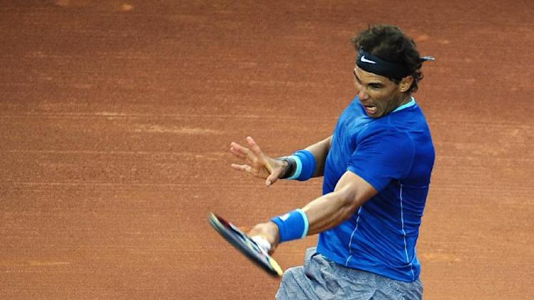Nadal cruises into Barcelona quarterfinals