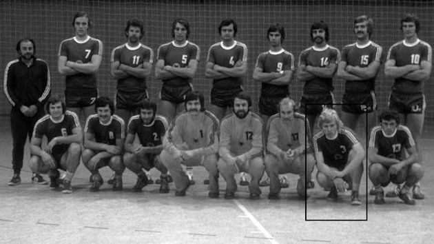 Deutsche Handball-Nationalmannschaft von 1976 mit Gnter Bttcher (schwarzer Kasten)