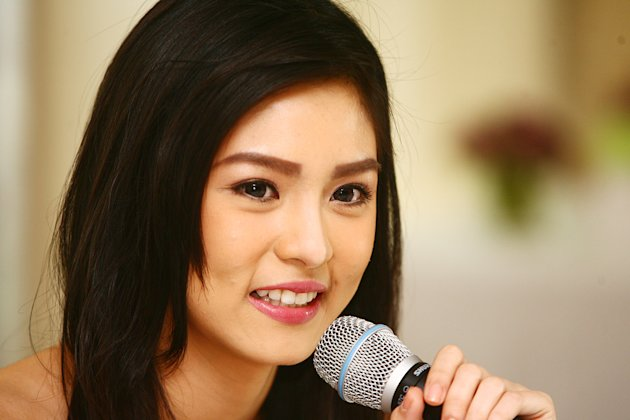 Kim Chiu answers questions from entertainment reporters during her post birthday press conference held at ABS CBN compound in Quezon City, Philippines. (Jerome Ascano/NPPA Images)
