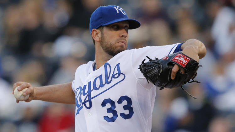 Shields sharp as Royals turn back Rockies 5-1