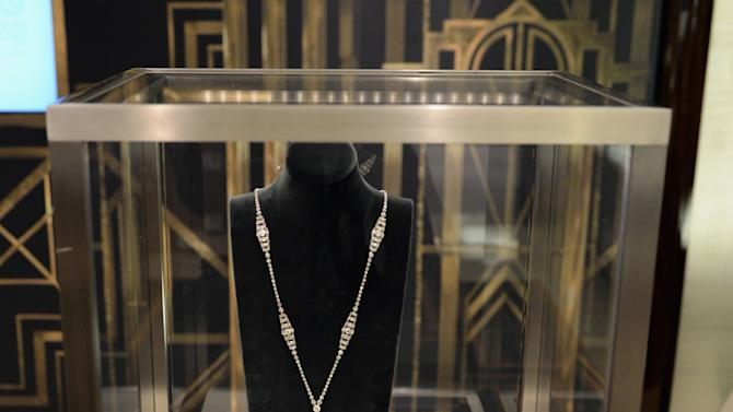 "Tiffany & Co. Unveils Its Fifth Avenue Windows Inspired By ""The Great Gatsby"""