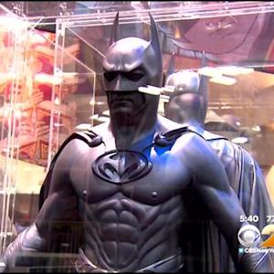 Opening Day Of Comic-Con Draws Sci-Fi Stars, Super Heroes, And Fans
