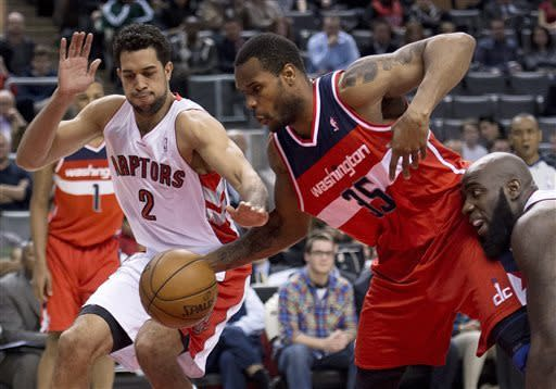 Valanciunas has career night, Raptors beat Wizards