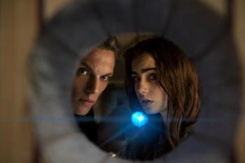 'The Mortal Instruments: City of Bones' Review: Part 'Harry Potter,' Part 'Twilight,' All Dull