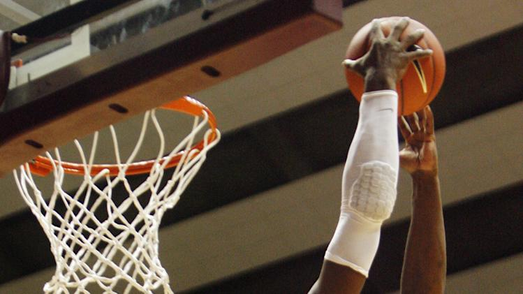Alabama forward Tony Mitchell (5) dunks against Detroit in the second half of an NCAA college basketball game in Tuscaloosa, Ala., on Sunday, Dec. 11, 2011. Alabama won 62-54. (AP Photo/Robert Sutton)