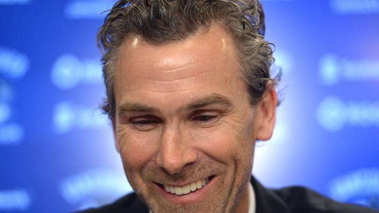 Canucks make Linden president of hockey operations