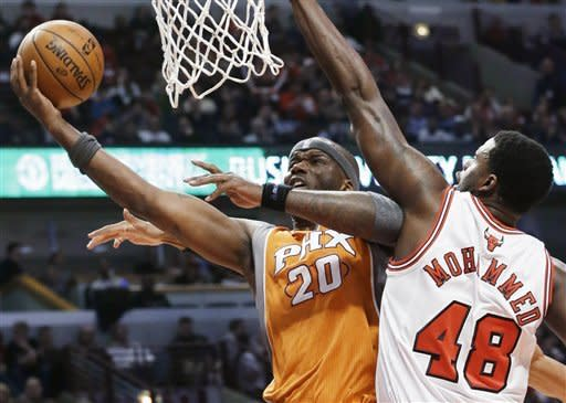 Scola scores 22 as Suns beat Bulls 97-81