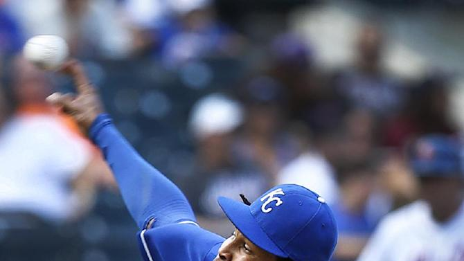 Santana and the sun help Royals top Mets again