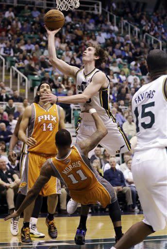 Jefferson, Hayward lift Jazz past Suns 103-88