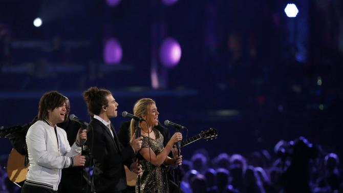 "The Band Perry performs ""Endless Love"" at the 2016 MusiCares Person of the Year gala in Los Angeles"