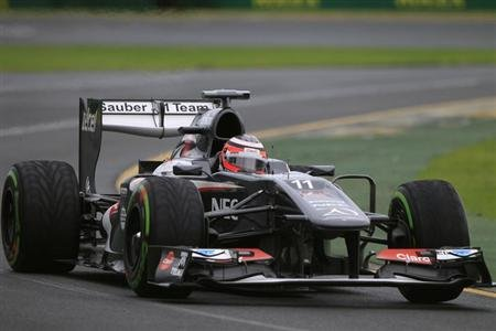 Sauber Formula One driver Nico Hulkenberg of Germany drives during the qualifying session of the Australian F1 Grand Prix at the Albert Park circuit in Melbourne March 17, 2013.
