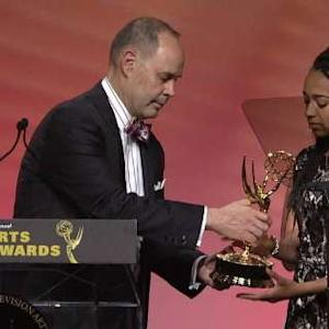 Ernie Johnson Gives His Emmy to Daughters of Stuart Scott
