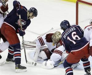 Johnson, Mason lead Blue Jackets past Coyotes 3-2