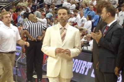 Rick Pitino is dressed like a villain in a Quentin Tarantino movie for Louisville-North Carolina