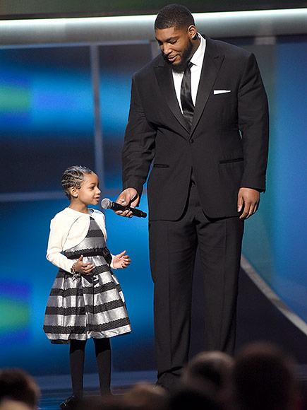 Devon Still's Daughter Leah, 5, Presents NFL Comeback Award After Beating Her Own Cancer Diagnosis