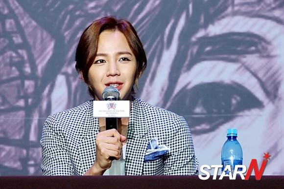 Jang Geun Suk explains why his press conference got cancelled in Japan