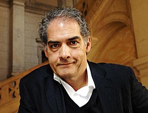 Philip Kerr to Pen Screenplay for 'The Poison Kitchen'