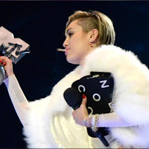 Miley Cyrus Smoked Weed On Stage At The MTV European Music Awards