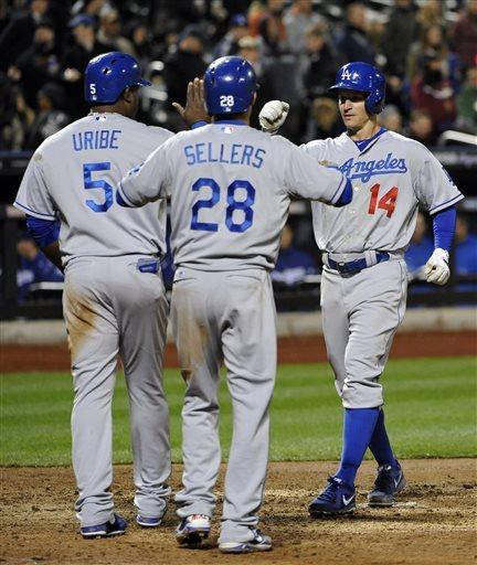 Ellis hits 2 HRs, nicks Niese as Dodgers top Mets