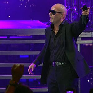 Live On Letterman - Pitbull: Calle Ocho