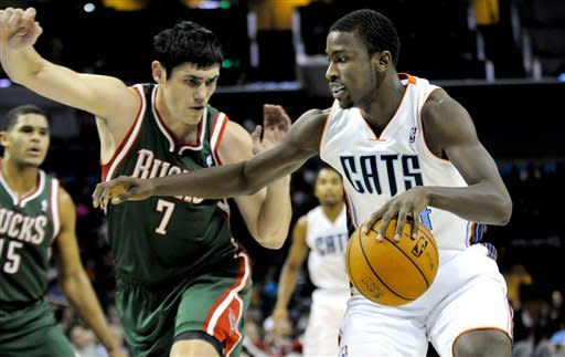 Harris, Lamb lead Bucks over Bobcats 100-90