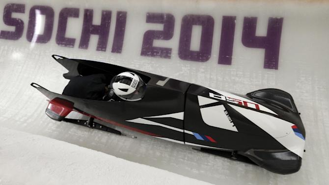 Top US women's bobsled damaged after training run