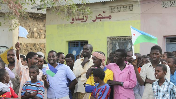 Residents welcome soldiers from African Union Mission in Somalia into town of Buula Burde