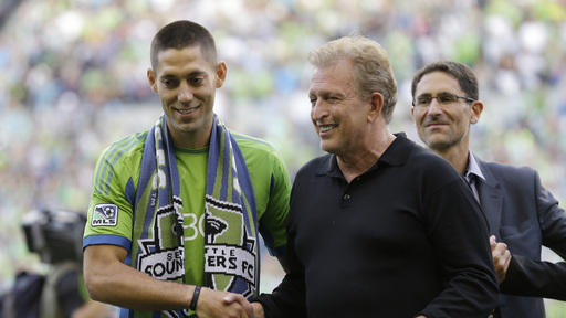 Seattle routs Dallas 3-0 as Dempsey arrives