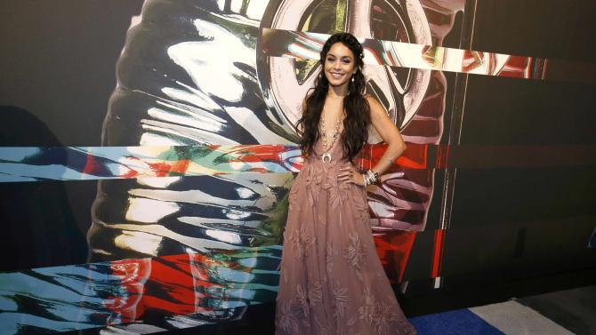 Actress Vanessa Hudgens arrives at the 2015 MTV Video Music Awards in Los Angeles