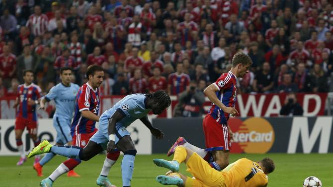 Bayern Munich's Mueller misses chance to score against Manchester City during Champions League soccer match in Munich