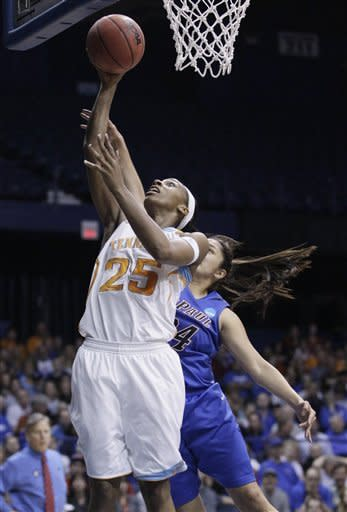 Summitt, Tennessee move on, beat DePaul 63-48
