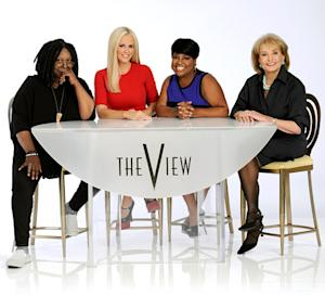 Jenny McCarthy Joins Barbara Walters, Whoopi Goldberg, Sherri Shepherd in First Photo for The View