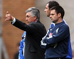 Carlo Ancelotti (left)