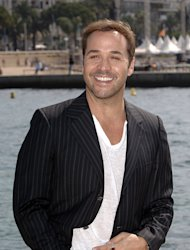 Jeremy Piven is said to be in talks about starring in the Entourage movie