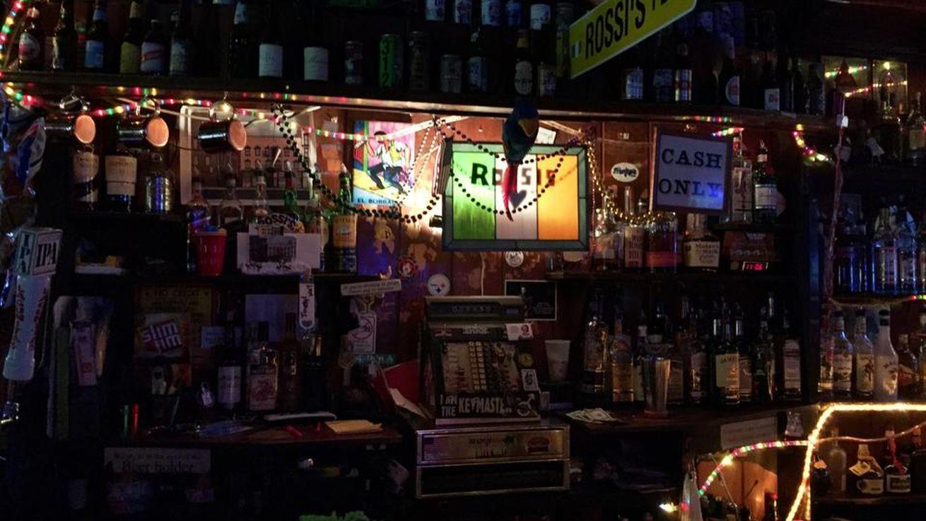 Chicago Dive Bars For All Your Valentine's Day Needs