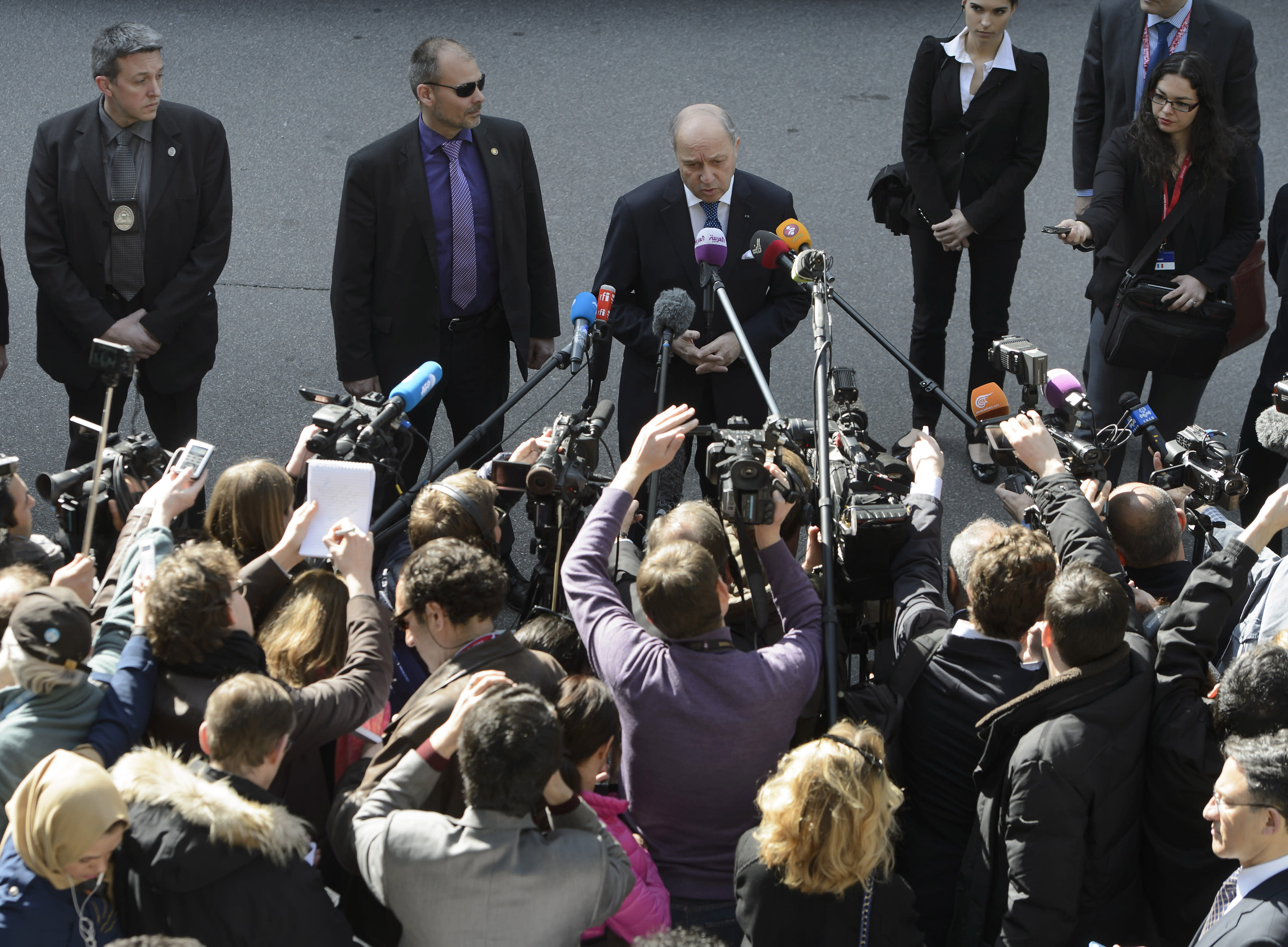 Iran nuke talks expand as deadline for deal looms
