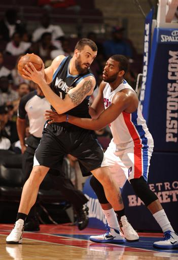 T-Wolves snap 11-game losing streak vs Pistons